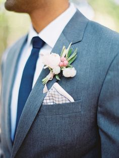 Photography : Becca Lea | Floral Design : Pollen Events | Mens Attire : The Black Tux | Event Planning + Design : Lindsey Zamora Read More on SMP: http://www.stylemepretty.com/2017/02/13/blending-culture-and-tradition-in-the-prettiest-of-ways/