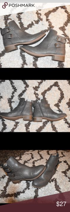Old Navy Gray Booties These are the cutest for winter. Only worn a handful of times. Zip up on the sides, an inch high heel! Old Navy Shoes Ankle Boots & Booties