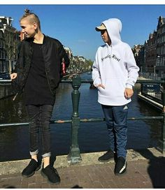 GB Out and about in sunny Amsterdam! The concert at Melkweg tonight is almost sold out, but there's a few tickets left if you hurry - link in bio We're excited to be here! Actor Picture, Actor Photo, Marcus Y Martinus, New Pictures, Cool Photos, Levi Miller, Dream Boyfriend, I Go Crazy, Love U Forever