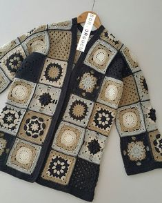 Fabulous Crochet a Little Black Crochet Dress Ideas. Georgeous Crochet a Little Black Crochet Dress Ideas. Crochet Bodycon Dresses, Black Crochet Dress, Crochet Coat, Crochet Jacket, Crochet Cardigan, Crochet Clothes, Crochet Squares, Crochet Granny, Crochet Braids