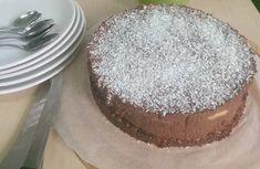 Máte rádi sladké, ale pak vás trápí výčitky? S tímto nepečeným dortem vám nehrozí. Můžete ho připravit pro své blízké jako narozeninový dort anebo ho donést kolegům do práce jako zákusek ke kávě. Uvidíte, že jej ocení.