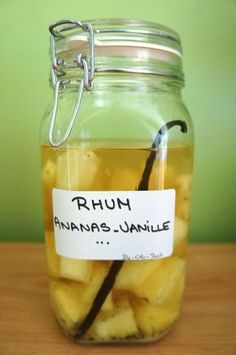 Rum arranged with pineapple and vanilla , Rum Cocktail Recipes, Healthy Cocktails, Cocktail Drinks, In Vino Veritas, Recipe Search, My Recipes, Chutney, Smoothies, Pineapple