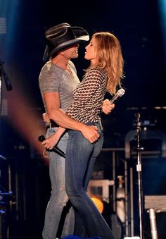 Pin for Later: Faith Hill and Tim McGraw Are Still Madly in Love, and Here's the PDA That Proves It