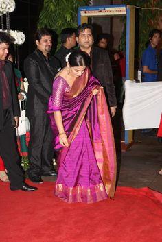 Vidya Balan At Esha Deols Wedding Reception
