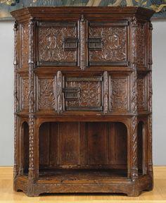 France  début du XVIe siècle    Dressoir   Chêne  H. : 1,42 m. ; L. : 1,16 m. ; Pr. : 0,48 m.