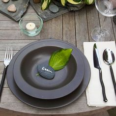 How creative! Use a rock as a place card at your next outdoor party. More creative outdoor table settings: http://www.bhg.com/party/birthday/themes/creative-outdoor-table-settings/?socsrc=bhgpin061013=1