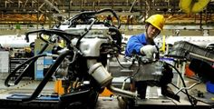 China factory activity unexpectedly dips in July: official PMI