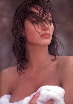 """ Christy Turlington, Vogue UK December 1986 by Arthur Elgort "" Arthur Elgort, Christy Turlington, The White Album, Vogue Uk, Beauty Shots, Vogue Magazine, Timeless Beauty, Girl Crushes, Supermodels"