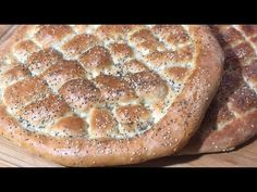 Reteta de PAINE TURCEASCA pufoasa ✅ LIPIE TURCEASCA - YouTube Romanian Food, Ramadan, I Foods, Food Videos, Food Inspiration, Bread Recipes, Banana Bread, Deserts, Food And Drink