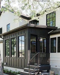 new modern dream house exterior design ideas - Traumhaus Dream House Exterior, Exterior House Colors, Exterior Paint, Exterior Design, Black Exterior, House Exteriors, Farmhouse Windows, Modern Farmhouse Exterior, Dutch Colonial Exterior