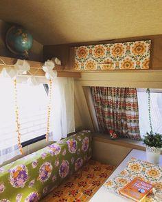 Ein Wohnwagen im Retro-Look - Caravanity T3 Camper, Camper Beds, Vintage Camper, Vintage Caravans, Retro Caravan, Retro Campers, Happy Campers, Caravan Conversion, Camper Curtains