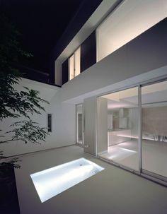 小っちゃいプールのある家