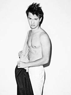Ansel Elgort. HELLO Now i know why hazel had breathing problems