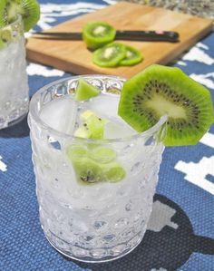 Fresh Cocktail Recipe: Kiwi Vodka Tonic