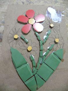 Curso De Mosaico Com Azulejos Cerâmica E Porcelana 1 Mosaic Rocks, Mosaic Art, Homemade Art, Mosaic Flowers, Art N Craft, Mosaic Projects, Mosaic Patterns, Dot Painting, Recycled Crafts