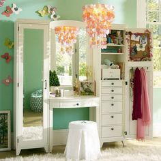 Wish I had this for my daughter! Great make-up and accessory storage space for every girl!