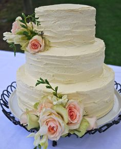 rustic buttercream cake, love the frosting design
