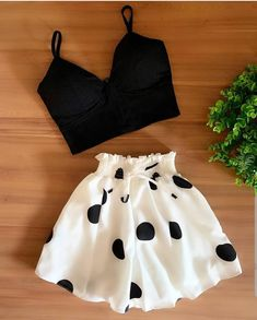 Cute Lazy Outfits, Crop Top Outfits, Girly Outfits, Retro Outfits, Stylish Outfits, Girls Fashion Clothes, Teen Fashion Outfits, Vetement Fashion, Aesthetic Clothes