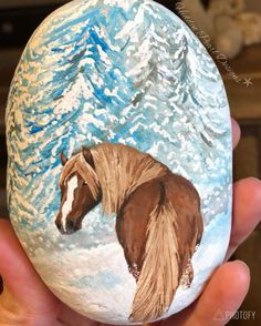 Painting rocks animals horse New ideas Painted Rock Animals, Painted Rocks Craft, Hand Painted Rocks, Painted Stones, Pebble Painting, Pebble Art, Stone Painting, Rock Painting Patterns, Rock Painting Designs