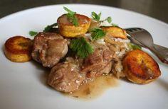 Curry d'agneau aux bananes plantains