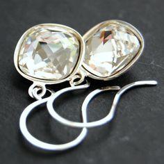 Clear Bridal Earrings Swarovski Crystal Clear by GreenRibbonGems, $25.00 #CrystalEarrings #BridalEarrings #SwarovskiCrystal