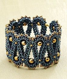 Rhythm of the Sea Bracelet by Sara Zsadon  (Beadwork, December 2012/January 2013