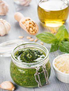 Pesto Sauce, Pesto Pasta, Vegan Vegetarian, Vegetarian Recipes, How To Make Pesto, Tapenade, Diy Food, Palak Paneer, Chutney