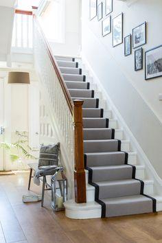 Victorian House Interiors, Victorian Homes, Home Interior Design, Interior Architecture, Entrance Hall Decor, Hallway Designs, Hallway Ideas, Open Plan Kitchen Living Room, British Home