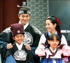 """Yi San"" photo.  The children in this drama were absolutely brilliant, especially the boy actor who played the young Yi San."