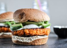 Smoky Sweet Potato Burgers with Roasted Garlic Cream and Avocado. This has to be the best vegetarian burger ever! Burger Recipes, Veggie Recipes, Cooking Recipes, Healthy Recipes, Burger Ideas, Avocado Recipes, Noodle Recipes, Potato Recipes, Cooking Tips