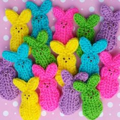 These are really fun! FAUX MARSHMALLOW EASTER BUNNIES for your Easter baskets or decoration. Easter is April 5th this year. Time to start planning;