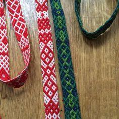 Lika men olika... #band #bandvävning #bandgrind Anna Karina, Mosaic Tiles, Folklore, Weaving, Bands, Instagram Posts, Patterns, Mosaic Pieces, Band