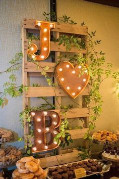 Ideas For Wedding Reception Backdrop Bridal Table Diy - Wedding Reception Ideas Fall Wedding Decorations, Wedding Centerpieces, Wedding Ideas, Wedding Advice, Budget Wedding, Wedding Planning, Centerpiece Ideas, Wedding Trends, Reception Decorations