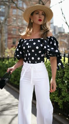 My Favorite White Denim for Summer Outfits With Hats, Preppy Outfits, Stylish Outfits, Cool Outfits, Nyc Fashion, Look Fashion, Fashion Outfits, Fashion Spring, Fashion Tips