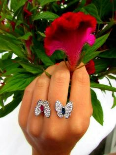 Flying beauty ring