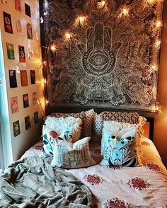 University of Oregon // college bedroom // insta: pearlberiker