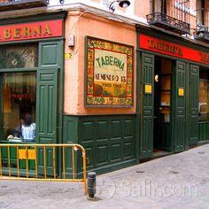 tapas in the latina, madrid Sketches Of Spain, Travel Around The World, Around The Worlds, Madrid Restaurants, Foto Madrid, Tapas Bar, Shop Fronts, Latina, Seville