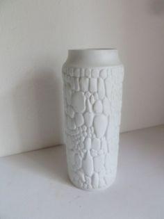 Mooie design op-art vaas van Kaiser Biscuit Porzellan door kunstmus