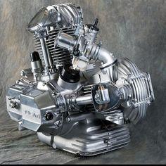 Ducati 750 Bevel Squarecase pic by Phil Aynsley Old School Motorcycles, Ducati Motorcycles, American Motorcycles, Vintage Motorcycles, Motorcycle Engine, Motorcycle Design, Bike Design, Ducati Desmo, Ducati 750