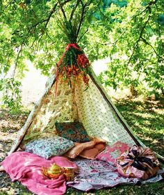 variation on the tipi style used for Indian tipi and backyard small animal friends made for small children. For my Boho girls? Diy Tipi, Gazebos, Deco Boheme, Outdoor Living, Outdoor Decor, Outdoor Lounge, Garden Cottage, Boho Gypsy, Gypsy Soul