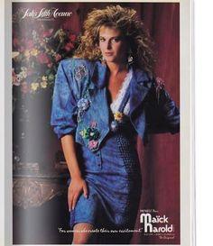 На изображении может находиться: 1 человек, стоит и текст 80s Fashion, Leather Skirt, Skirts, Leather Skirts, Skirt, Skirt Outfits, Dress