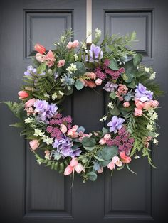 Inspirational Spring Easter Wreaths The best way to invite another season is to display festive decor on your entryway. Commend eggs, bunnies, flowers and Diy Spring Wreath, Spring Door Wreaths, Easter Wreaths, Wreaths For Front Door, Diy Wreath, Flower Wreaths, Wreath Ideas, Spring Crafts, Festival Decorations