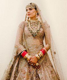 Party Wear Lehenga, Bridal Lehenga, Wedding Dresses For Girls, Bridal Dresses, Bridal Looks, Bridal Style, Duppata Style, Wedding Lehenga Designs, Wedding Lenghas