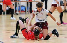 Deși Rapid a pierdut clar (22-28) partida disputată contra contracandidatei directe la promovare, Dinamo, giuleștencele vor termina