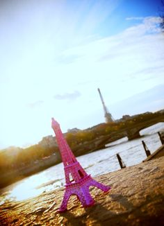 ♡♡♡ j'adore - Pink Eiffel tower I Believe In Pink, Most Beautiful, To Go, Paris, World, Building, Travel, Montmartre Paris, Viajes