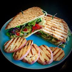 Tips for the PERFECT Grilled Vegetable Panini Panini Grill Recipes, Grilling Recipes, Cooking Recipes, Picnic Sandwiches, Vegan Sandwiches, Panini Maker, Whole Food Recipes, Healthy Recipes, Healthy Food