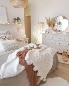 Cute Bedroom Ideas, Room Ideas Bedroom, Home Decor Bedroom, Bedroom Inspo, Boho Teen Bedroom, Bedroom Bed, Girls Bedroom, Teen Bedroom Designs, Bedroom Wardrobe