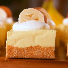 nice and neat cheesecake bars that are easy to slice, you need to freeze them. There isn't a super-quick way to firm them up, so we highly suggest making these the night before and garnishing them right before serving. Get the recipe at . No Bake Banana Pudding, Banana Pudding Cheesecake, Cheesecake Bars, Cheesecake Recipes, No Bake Desserts, Just Desserts, Delicious Desserts, Dessert Recipes, Yummy Food