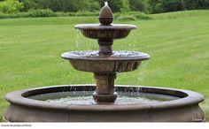 Fuente de piedra artificial.