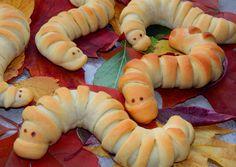 A könyvjelzőim között volt. Desert Recipes, Fall Recipes, Edible Food, Hungarian Recipes, How To Eat Better, Food Humor, Funny Food, Creative Cakes, Kid Friendly Meals